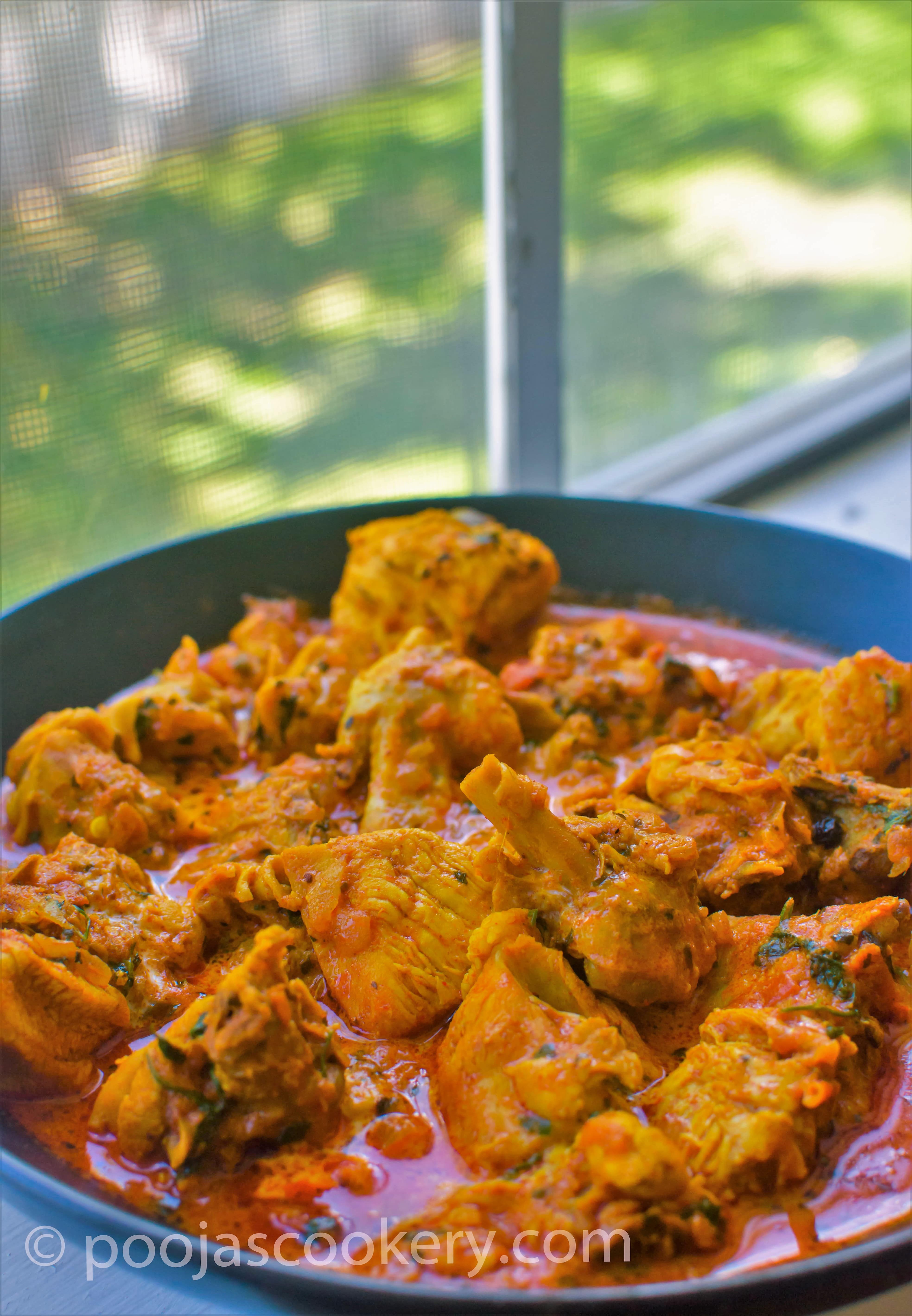Simple tasty tandoori chicken curry recipe poojas cookery tandoori chicken curry poojascookery forumfinder Image collections