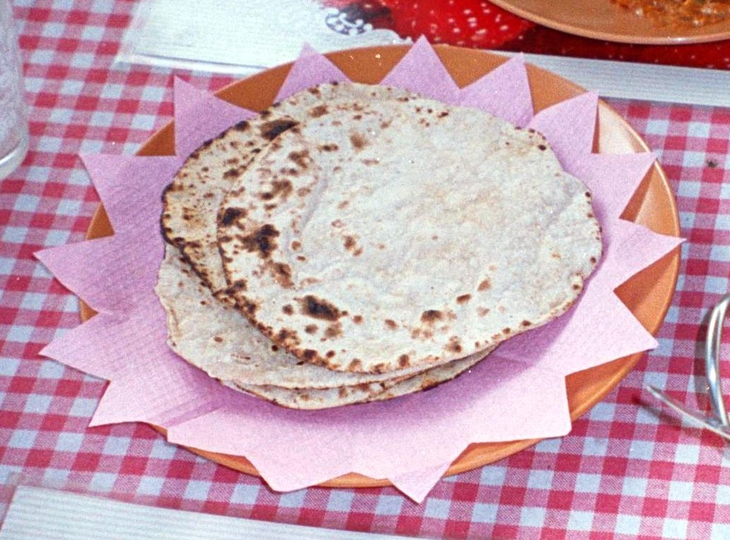 Make Roti/Fulka(Indian FlatBread), Usali (Of Sprouted Pulses) Nutritious