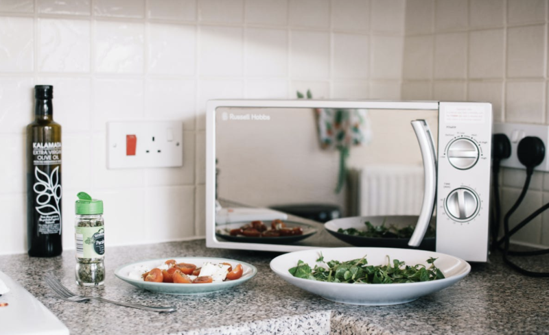 IS IT POSSIBLE TO GET HEALTHY MICROWAVE MEALS?